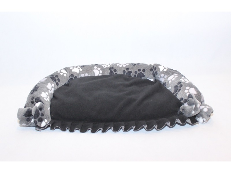 Dog's bed with frills and bows grey
